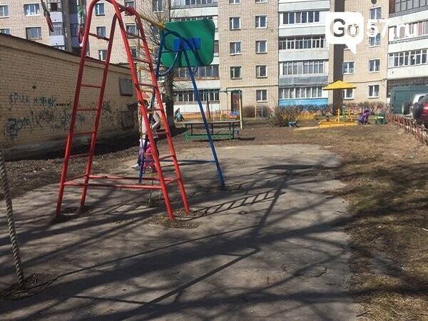 """Как содержатся детские площадки в Орле: район """"Чайка"""", фото-13"""