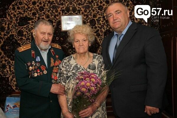 Начальник Орловской полиции пришел к ветерану в гости, фото-1
