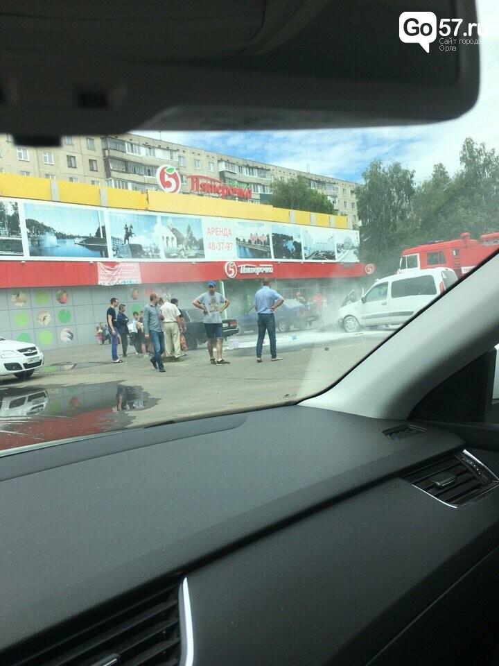Сегодня в Орле загорелась иномарка, фото-1