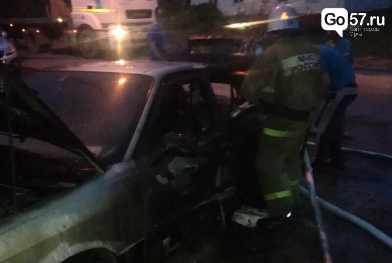 В Орловской области за ночь сгорели две машины, - ФОТО, фото-1