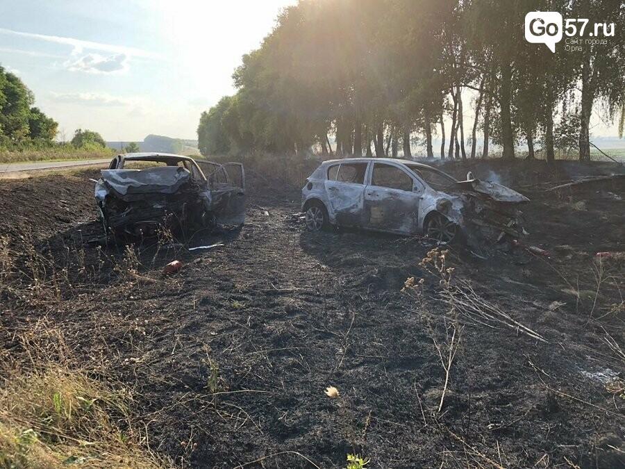 ДТП под Орлом: сгорели два автомобиля и пострадало восемь человек, - ФОТО, фото-1