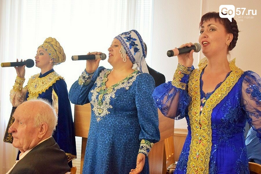 Почетным гражданам Орла вручили медали в честь 75-летия освобождения области, фото-16
