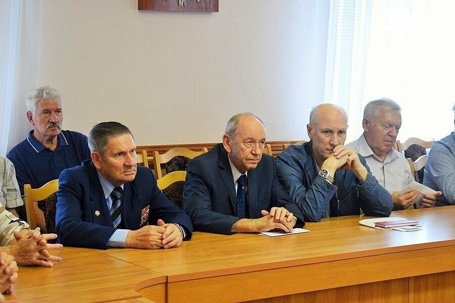 Почетным гражданам Орла вручили медали в честь 75-летия освобождения области, фото-11
