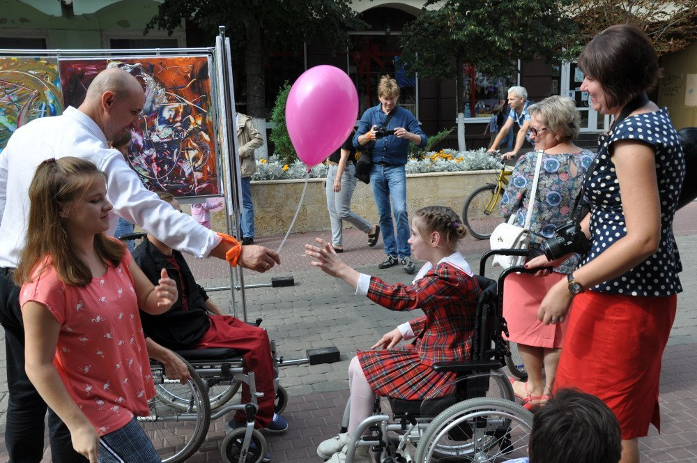Жители и гости Орла смогли увидеть необычную детскую выставку, фото-5