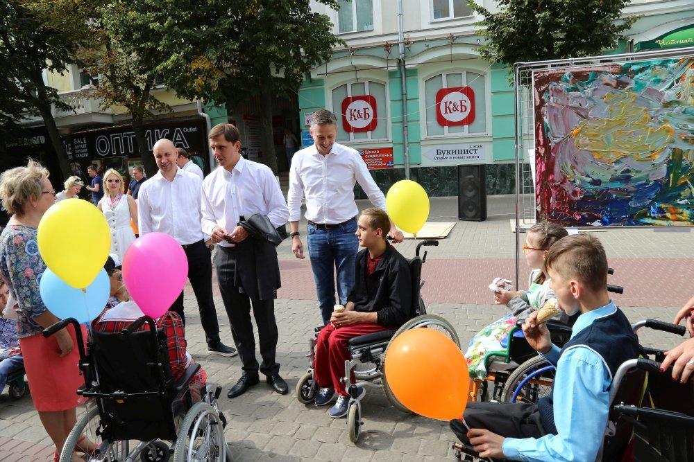Жители и гости Орла смогли увидеть необычную детскую выставку, фото-13