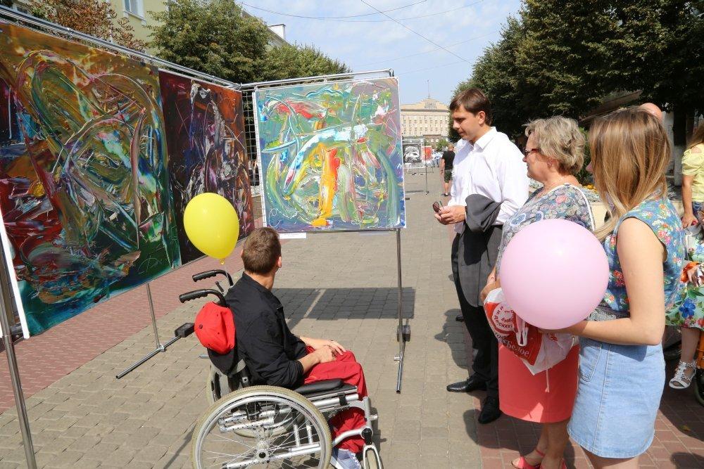 Жители и гости Орла смогли увидеть необычную детскую выставку, фото-14