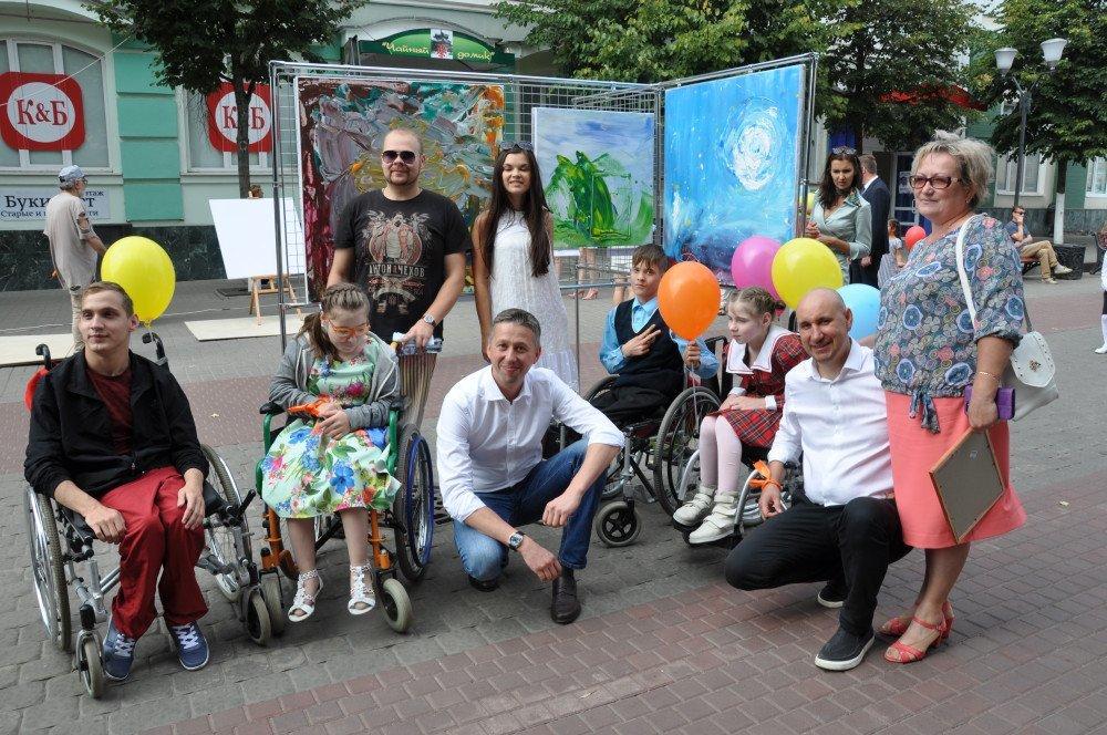 Жители и гости Орла смогли увидеть необычную детскую выставку, фото-2