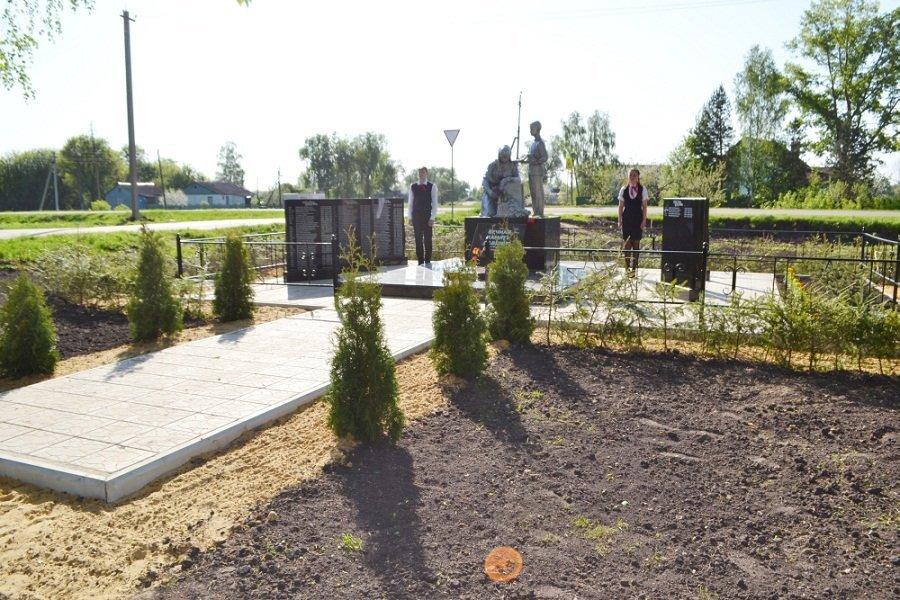 В Знаменском районе реконструированы два воинских захоронения, фото-1